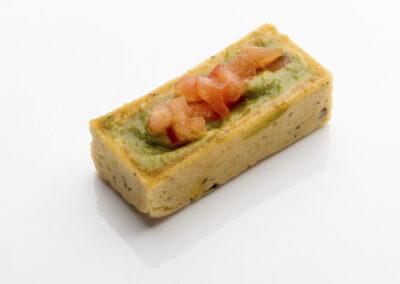 Tartaleta-de-salmón-con-guacamole_low